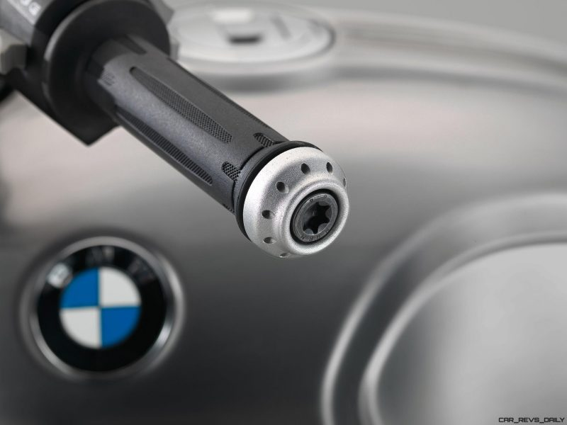 2017 BMW R nineT Scrambler 32