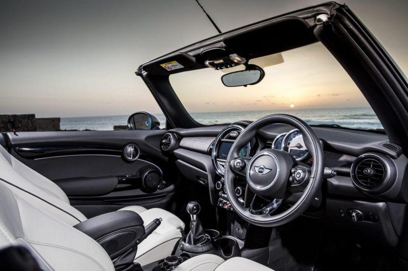 2017 MINI Cooper Convertible 57
