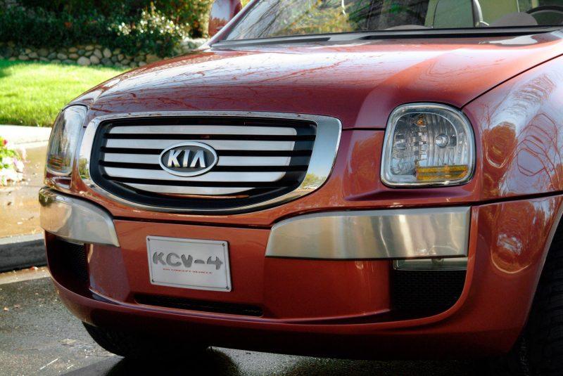 2004 Kia KCV4 Mojave 27