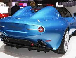 Design Analysis – 2016 Alfa Romeo DISCO VOLANTE SPYDER By Touring Superleggera + 1952 C52