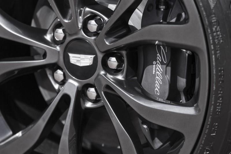 2016-Cadillac-ATS-Coupe-074