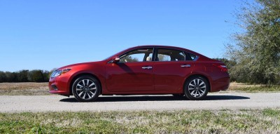 2016 Nissan Altima SL Review 10