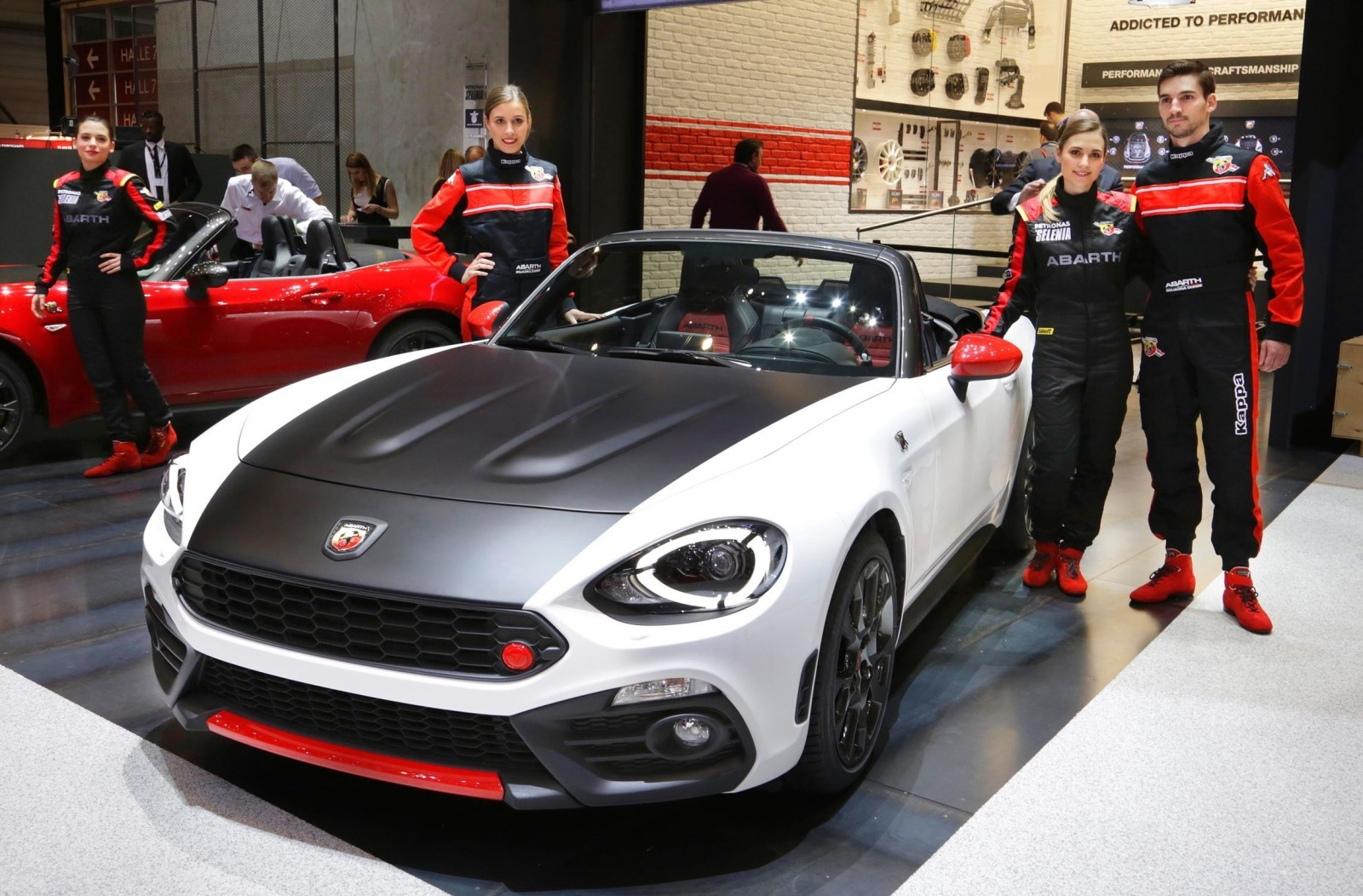2017 abarth 124 spider boosted turbo shouty exhaust and. Black Bedroom Furniture Sets. Home Design Ideas