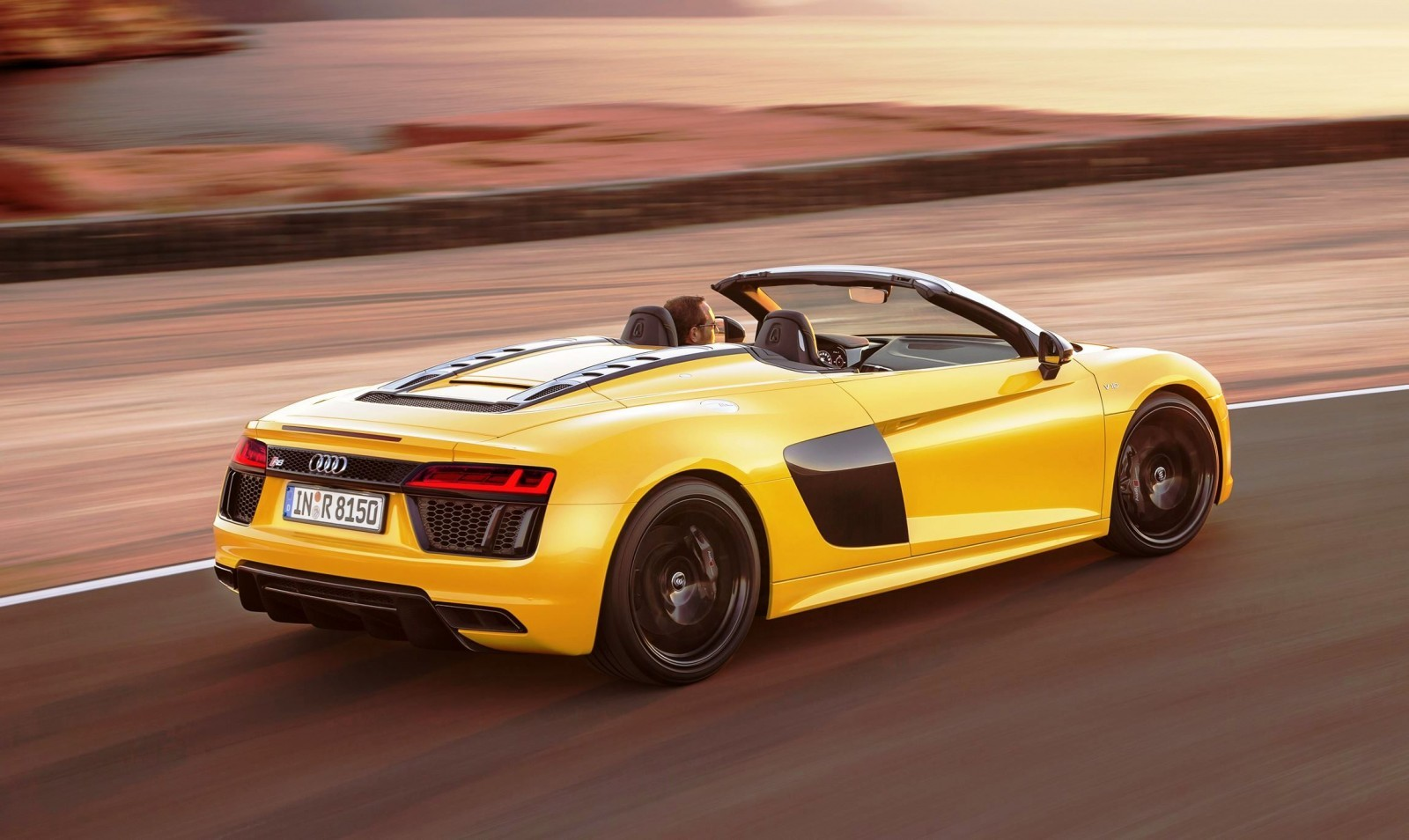 2017 audi r8 spyder v10 world debut in nyc. Black Bedroom Furniture Sets. Home Design Ideas