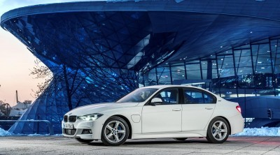 2017 BMW 330e iPerformance 14