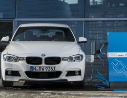 5.9s 2017 BMW 330e iPerformance – PHEV with 74-mph MAX eDrive