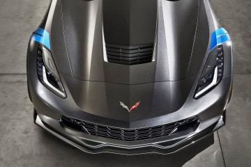 2017 Corvette Grand Sport Makes Surprise Geneva Debut