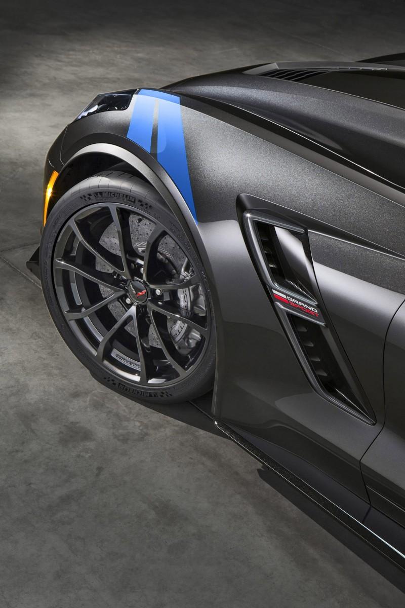2017-Chevrolet-Corvette-GrandSport-004 copy