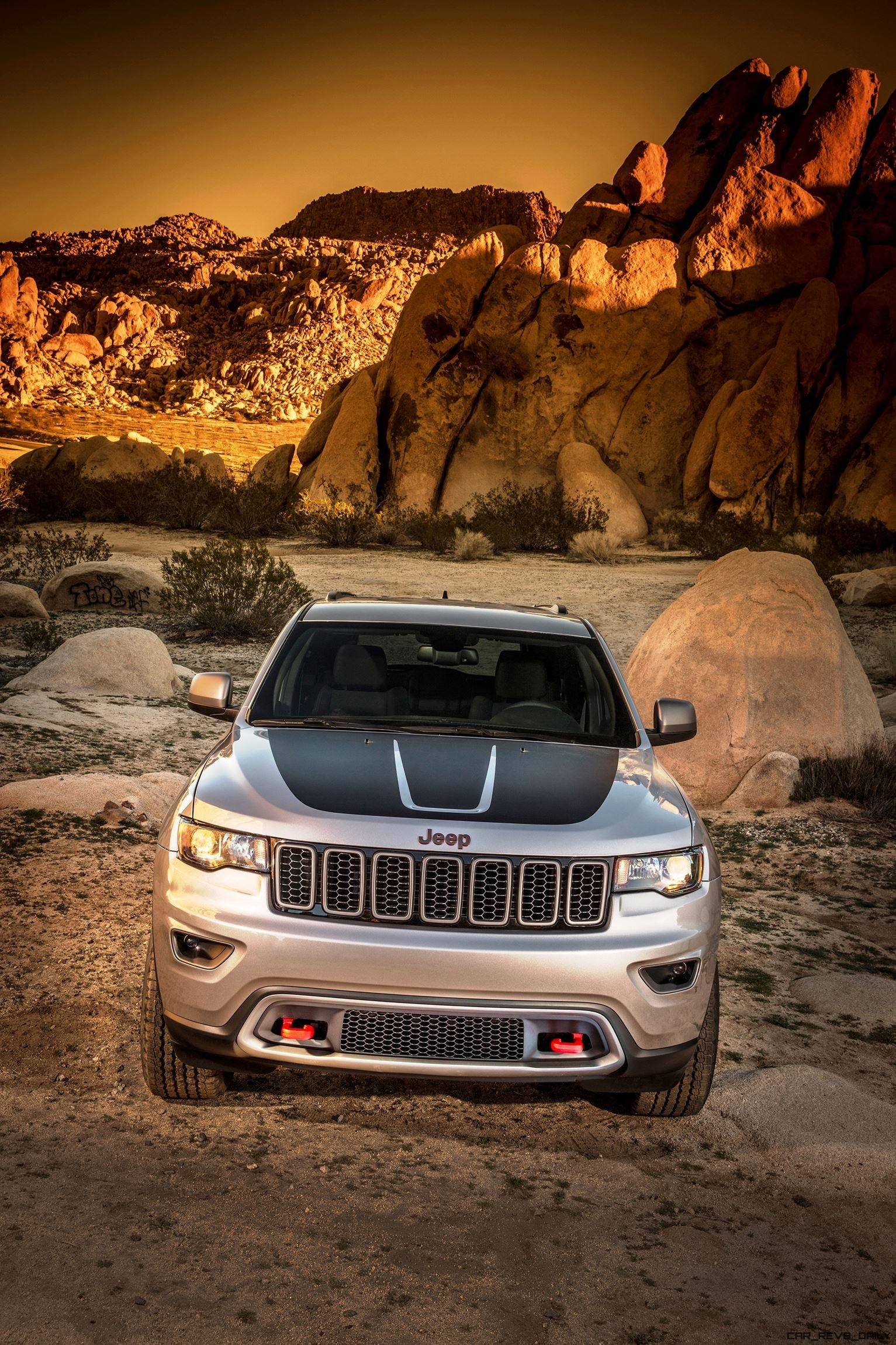 nyias 2017 jeep grand cherokee trailhawk and summit. Black Bedroom Furniture Sets. Home Design Ideas