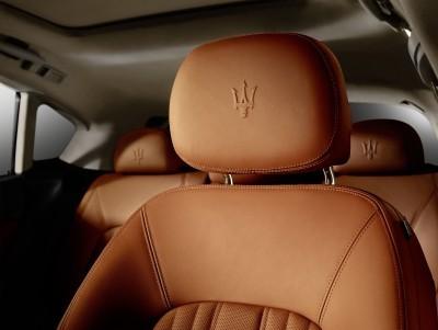 2017 Maserati Levante Interior 10