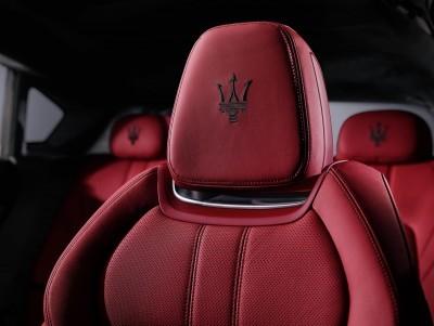 2017 Maserati Levante Interior 3