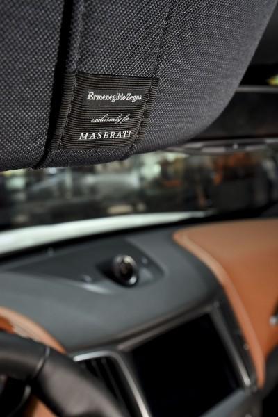 2017 Maserati Levante Interior 6