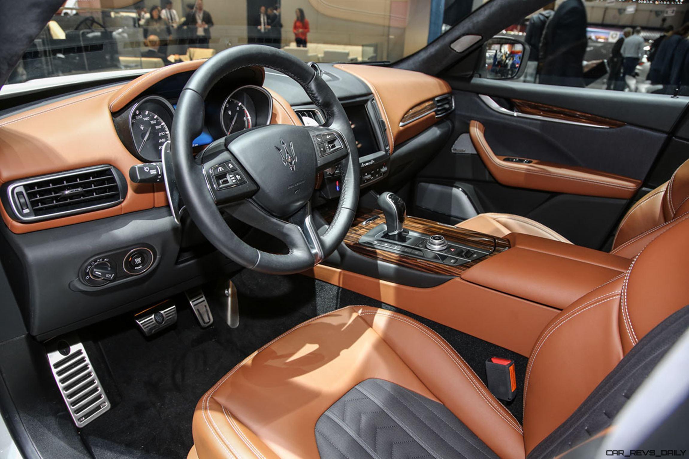 2017 Maserati Levante Interior 7