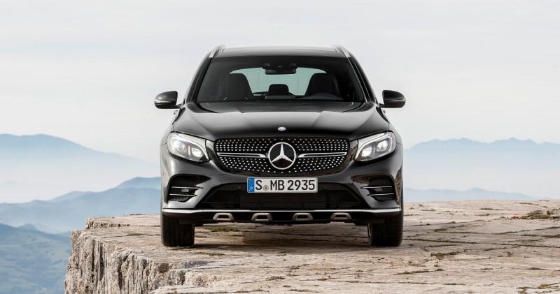 2017 Mercedes-AMG GLC43 14