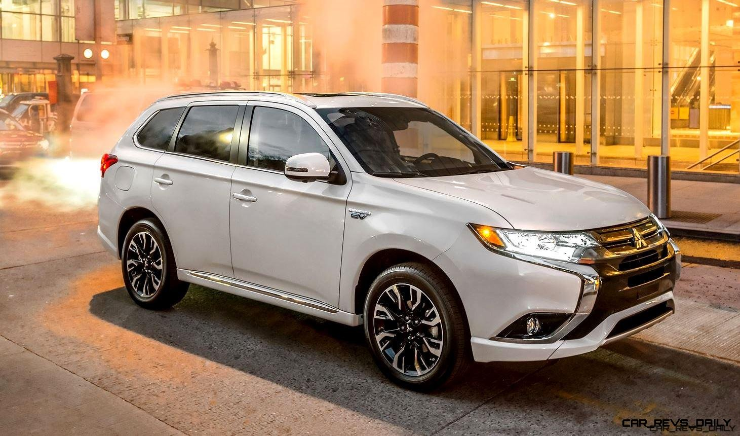 ny debuts 2017 mitsubishi outlander phev hybrid li ion eawd 7 seater. Black Bedroom Furniture Sets. Home Design Ideas