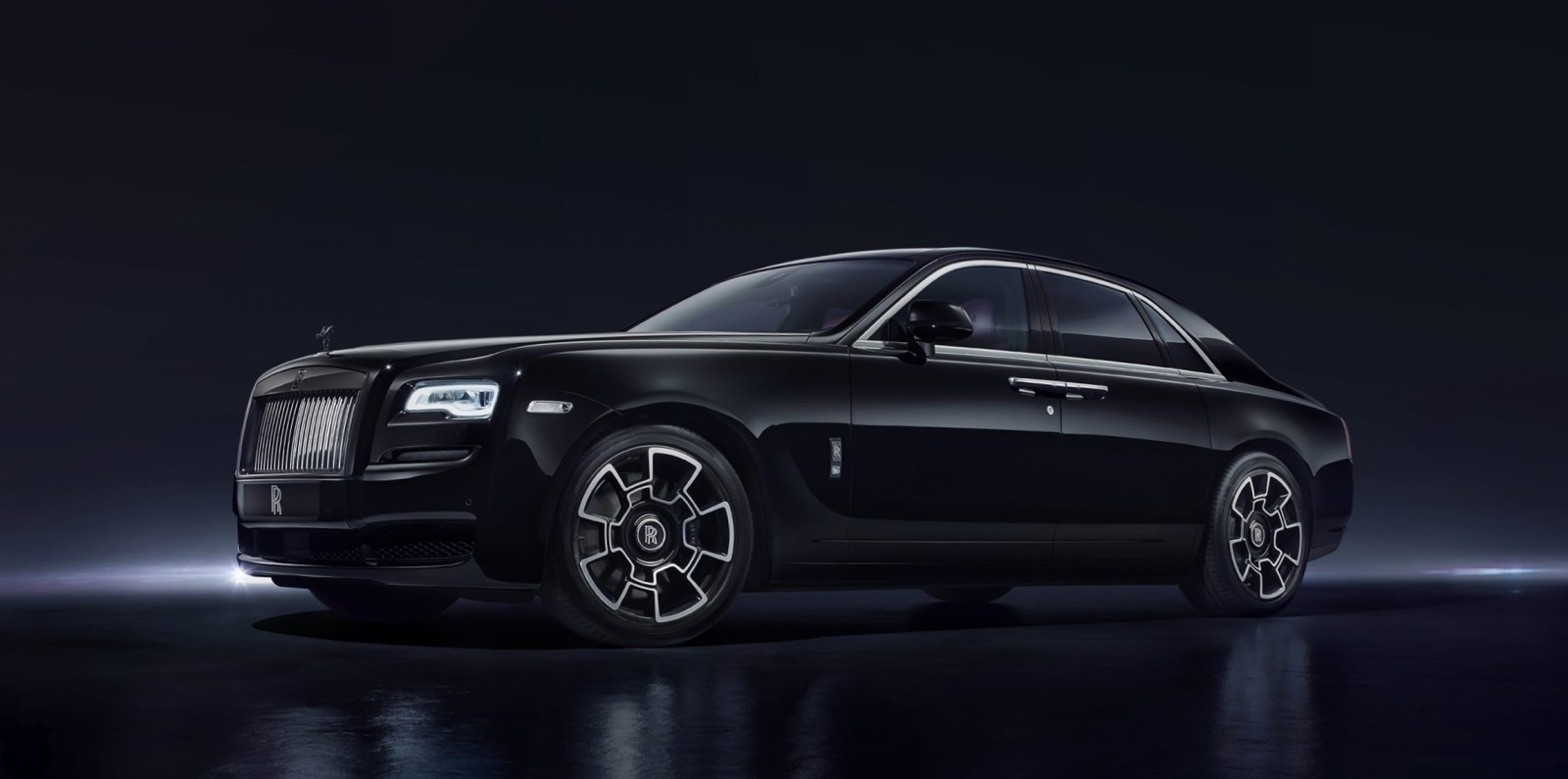 2017 rolls royce black badge ghost and wraith best of geneva 2016. Black Bedroom Furniture Sets. Home Design Ideas