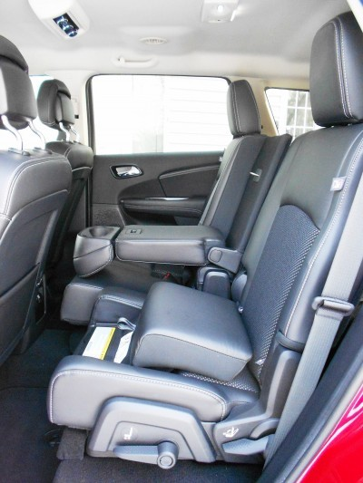 Hawkeye Drives - 2016 Dodge Journey Review 6