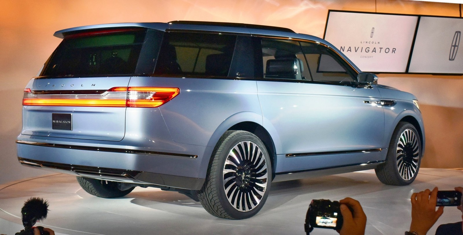 2016 lincoln navigator concept video and live photos