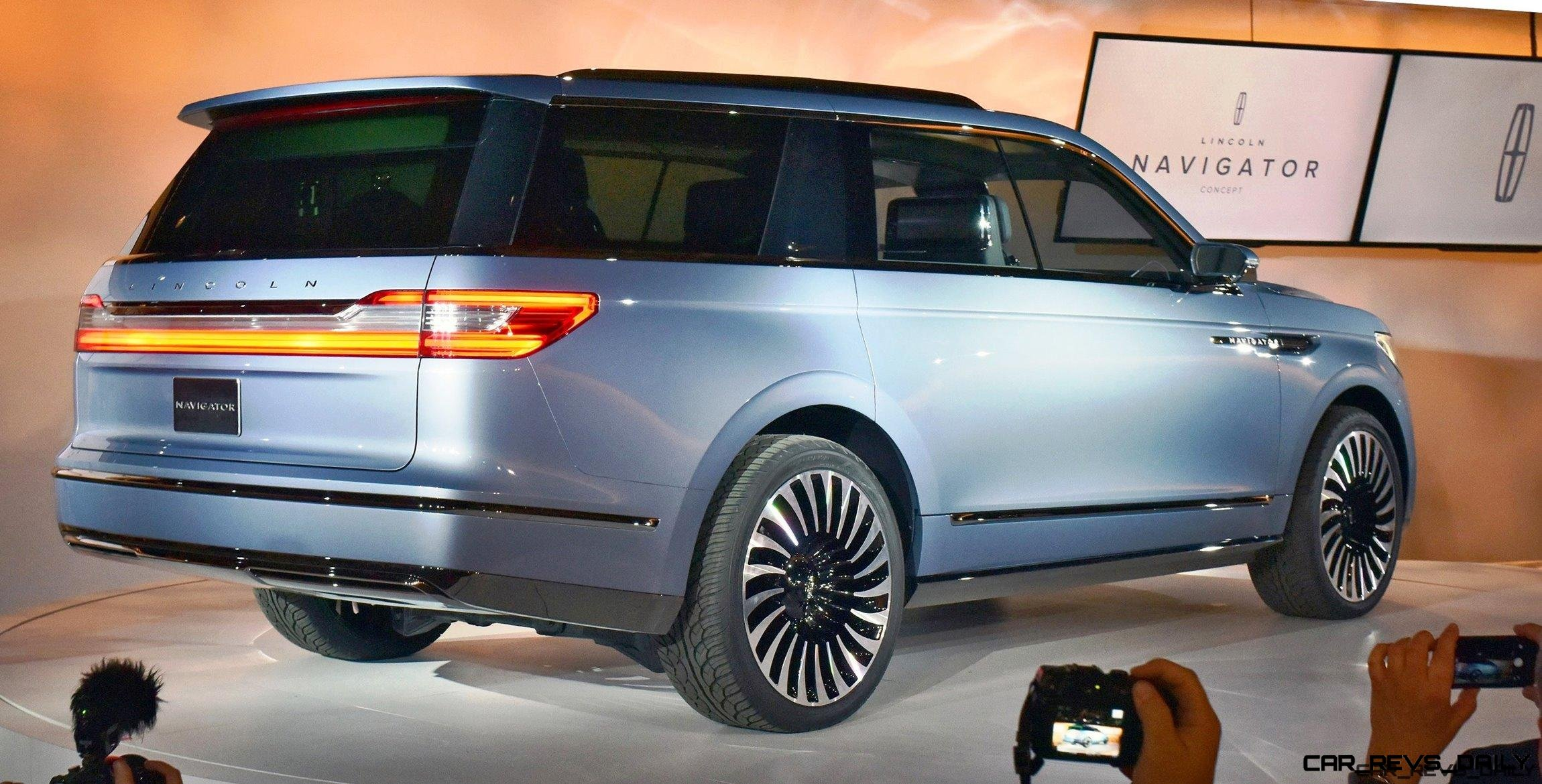 2016 lincoln navigator concept video and live photos. Black Bedroom Furniture Sets. Home Design Ideas