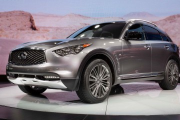 2017 Infiniti QX70 Limited - Live from New York