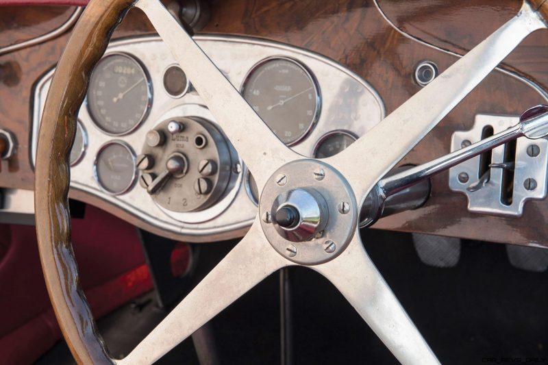RM Monaco 2016 - 1928 Bugatti Type 40 Boattail Speedster 14