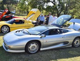 Kiawah 2016 Highlights – 1994 Jaguar XJ220 – 60-Photo Animated Flyaround