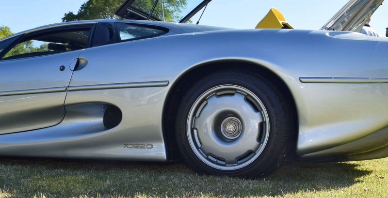 1994 Jaguar XJ220 16