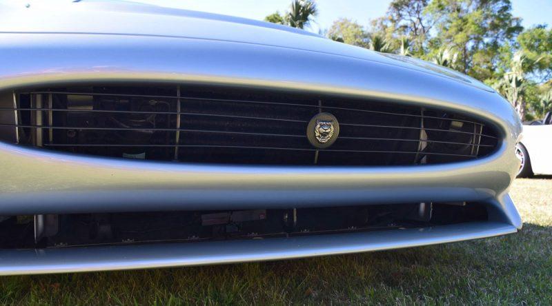 1994 Jaguar XJ220 42