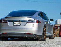 VOSSEN VFS-2 Alloys Sex Up TESLA Model S