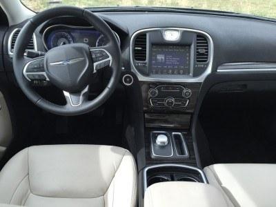 2016 Chrysler 300 Limited 6