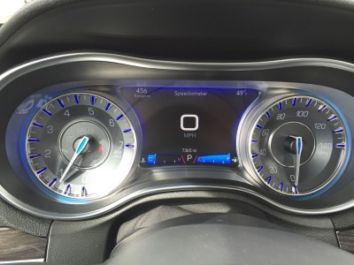 2016 Chrysler 300 Limited 9