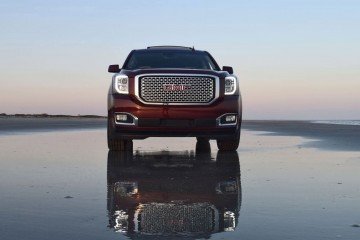 2016 GMC YUKON DENALI Review 13