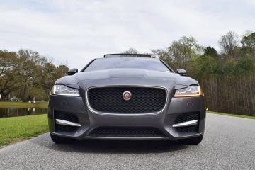 HD Road Test Review - 2016 Jaguar XF 35t R-Sport RWD