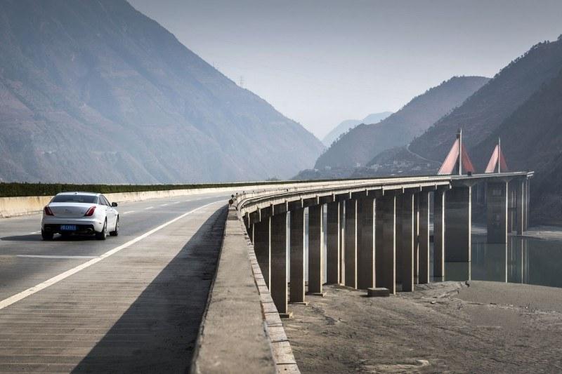 2016 Jaguar XJ Skyroad Paxi Expressway China 29