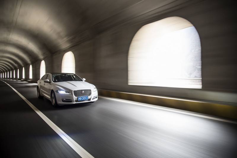 2016 Jaguar XJ Skyroad Paxi Expressway China  32