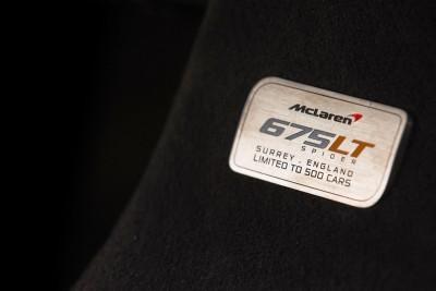 2016 McLaren 675LT Spider 41