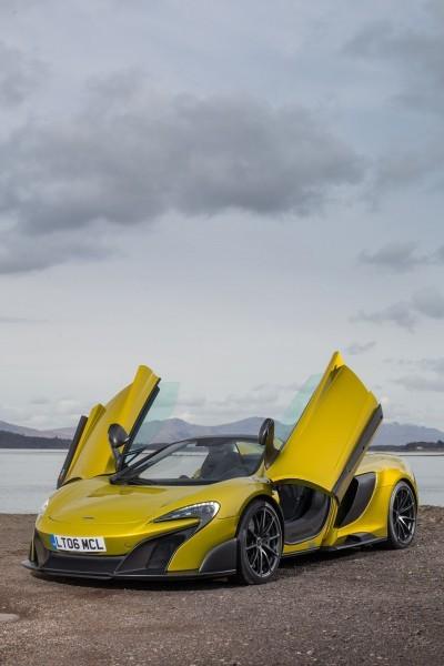 2016 McLaren 675LT Spider 9