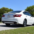 2016 Nissan Altima 2.5 SR - HD Road Test Review + Drive Video