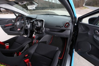 2016 Renault CLIO by WALDOW Performance 13