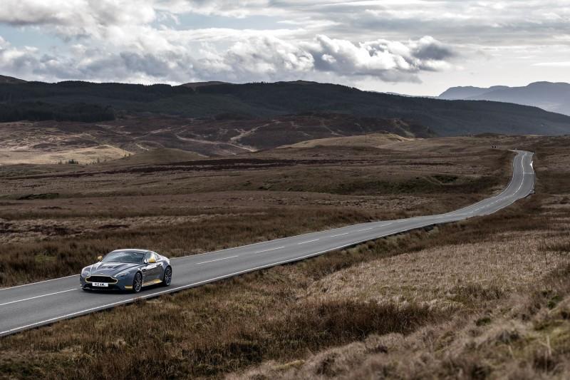 2017 Aston Martin V12 Vantage S 25