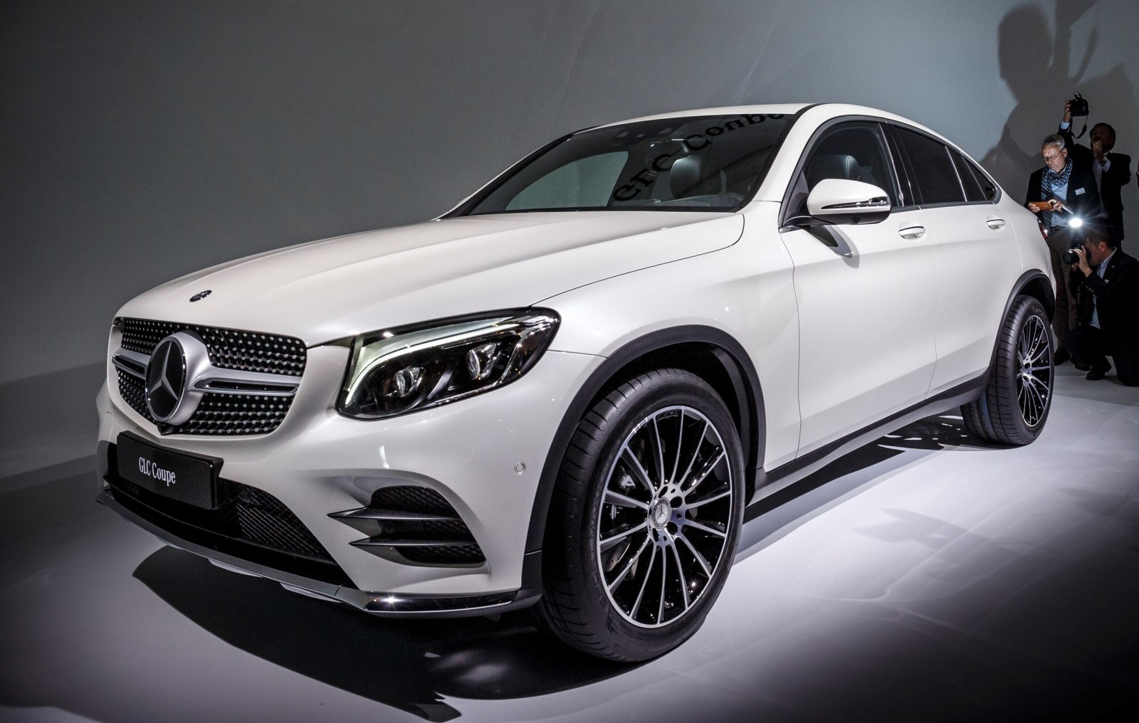 Fresh metal 2017 mercedes benz glc coupe is new fastback for Mercedes benz glc