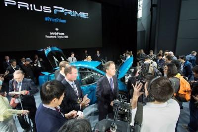 2017 Toyota PRIUS PRIME 4