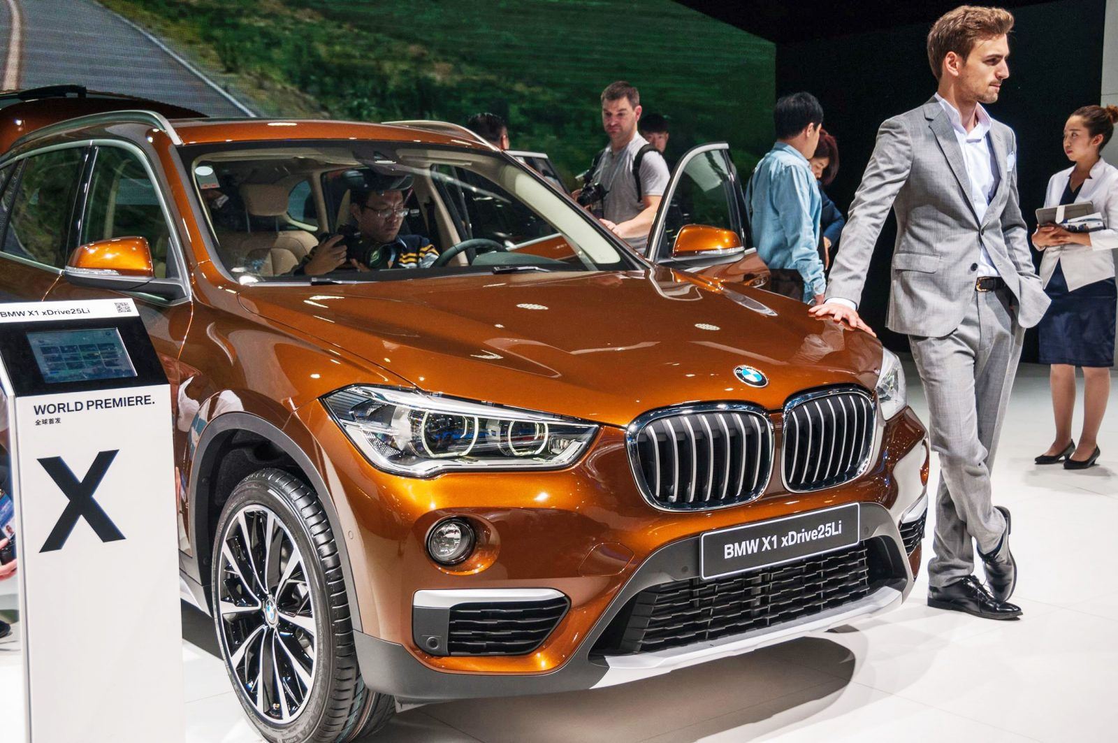 bmw analysis for china Page 3 china economic growth is in process of an engineered soft landing bmw group in china, july 9, 2014 source: national bureau of statistics of china.