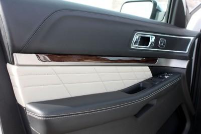 Ford Explorer Platinum INTERIOR Review Photos by Tim Esterdahl 1