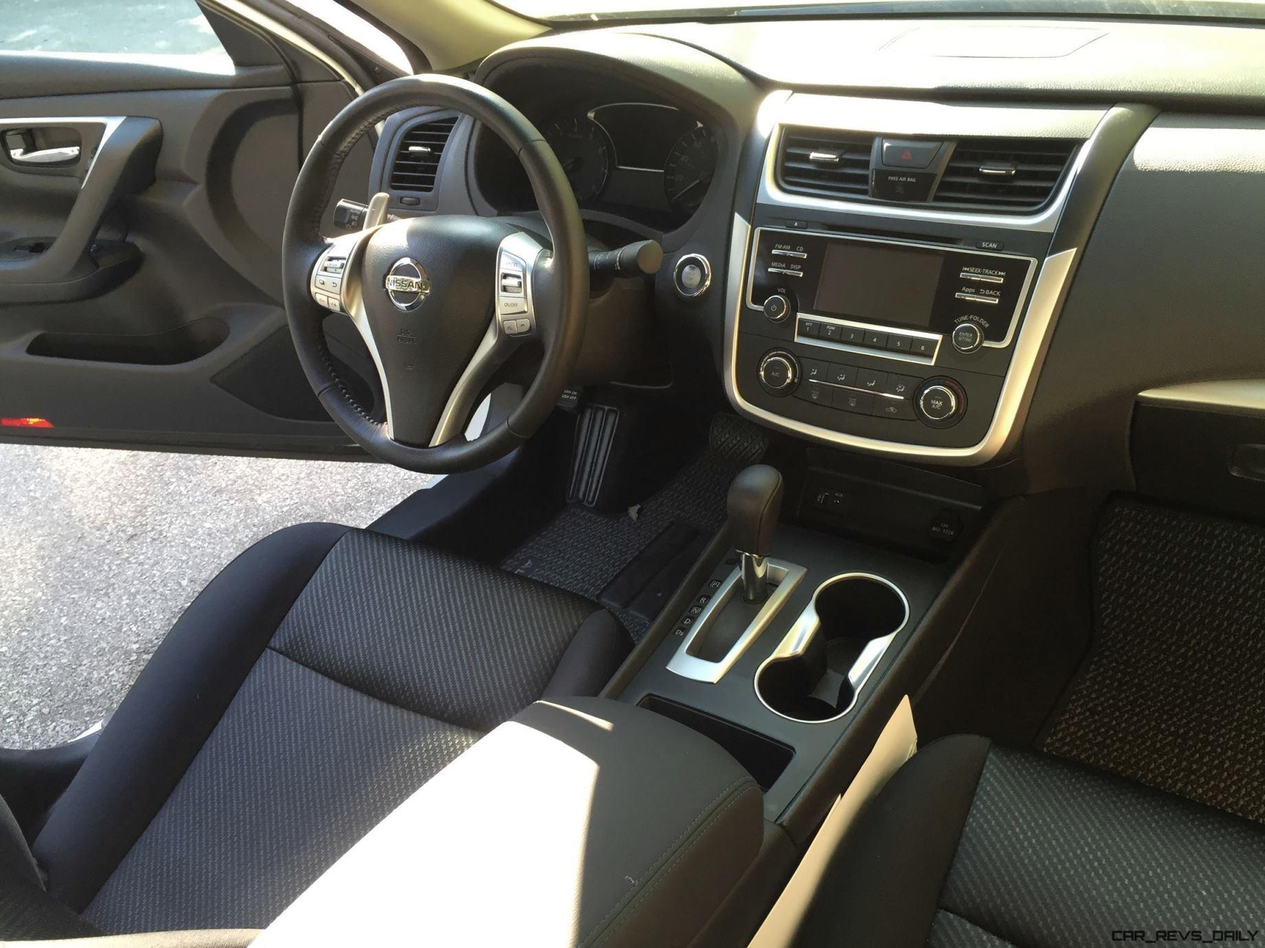 Interior - 2016 Nissan Altima SR 13