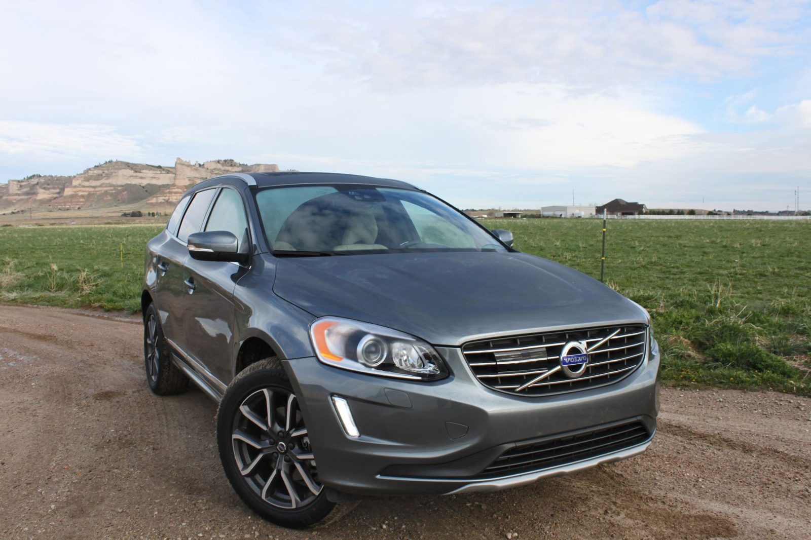 road test review 2016 volvo xc60 t6 awd by tim. Black Bedroom Furniture Sets. Home Design Ideas