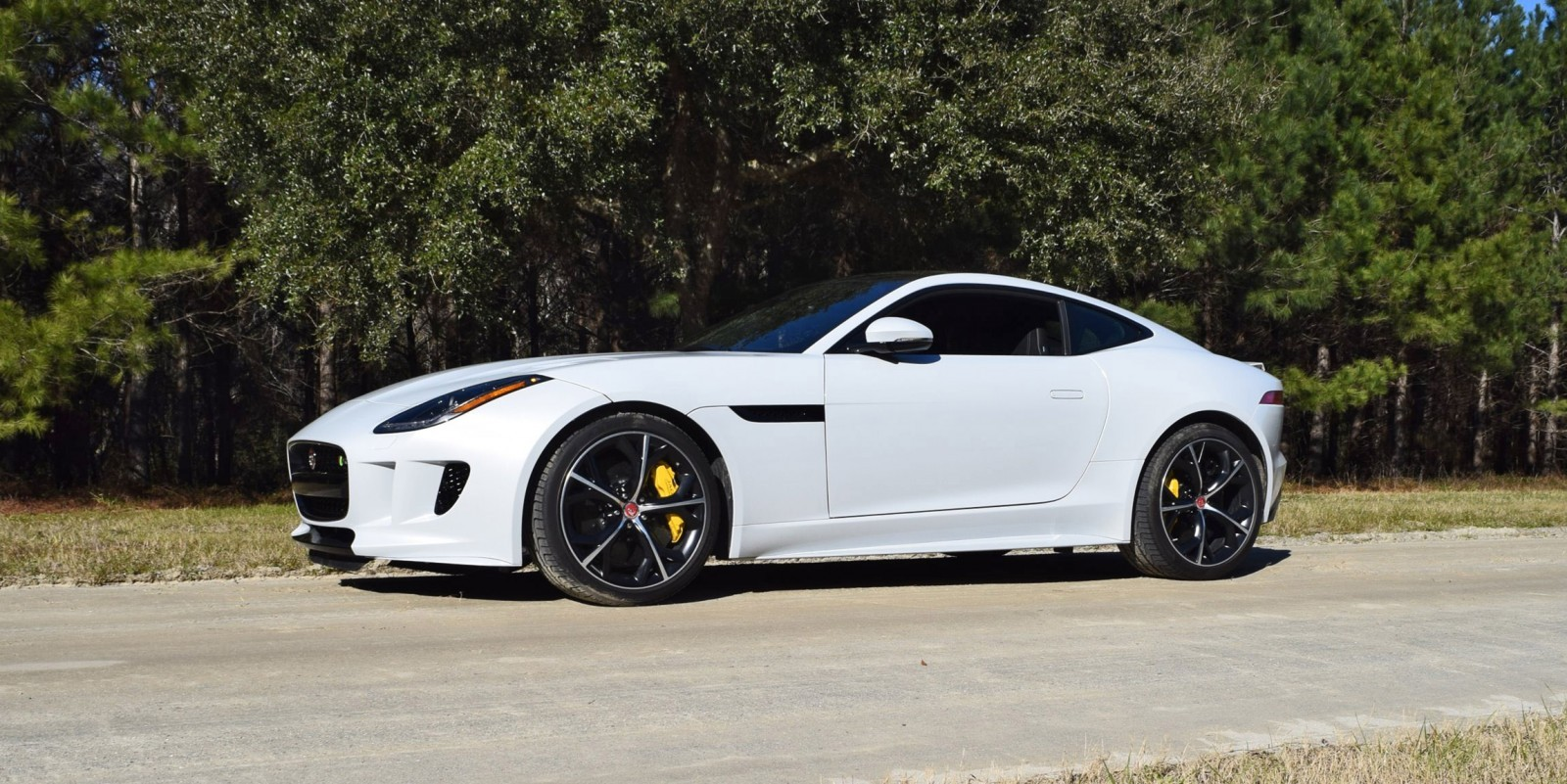 supercar of the year 2016 jaguar f type r awd coupe car revs. Black Bedroom Furniture Sets. Home Design Ideas