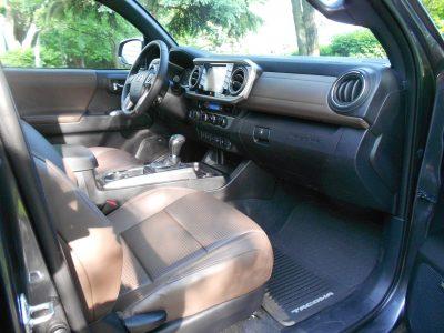 2016 Toyota TACOMA Limited 4x4 DoubleCab 12