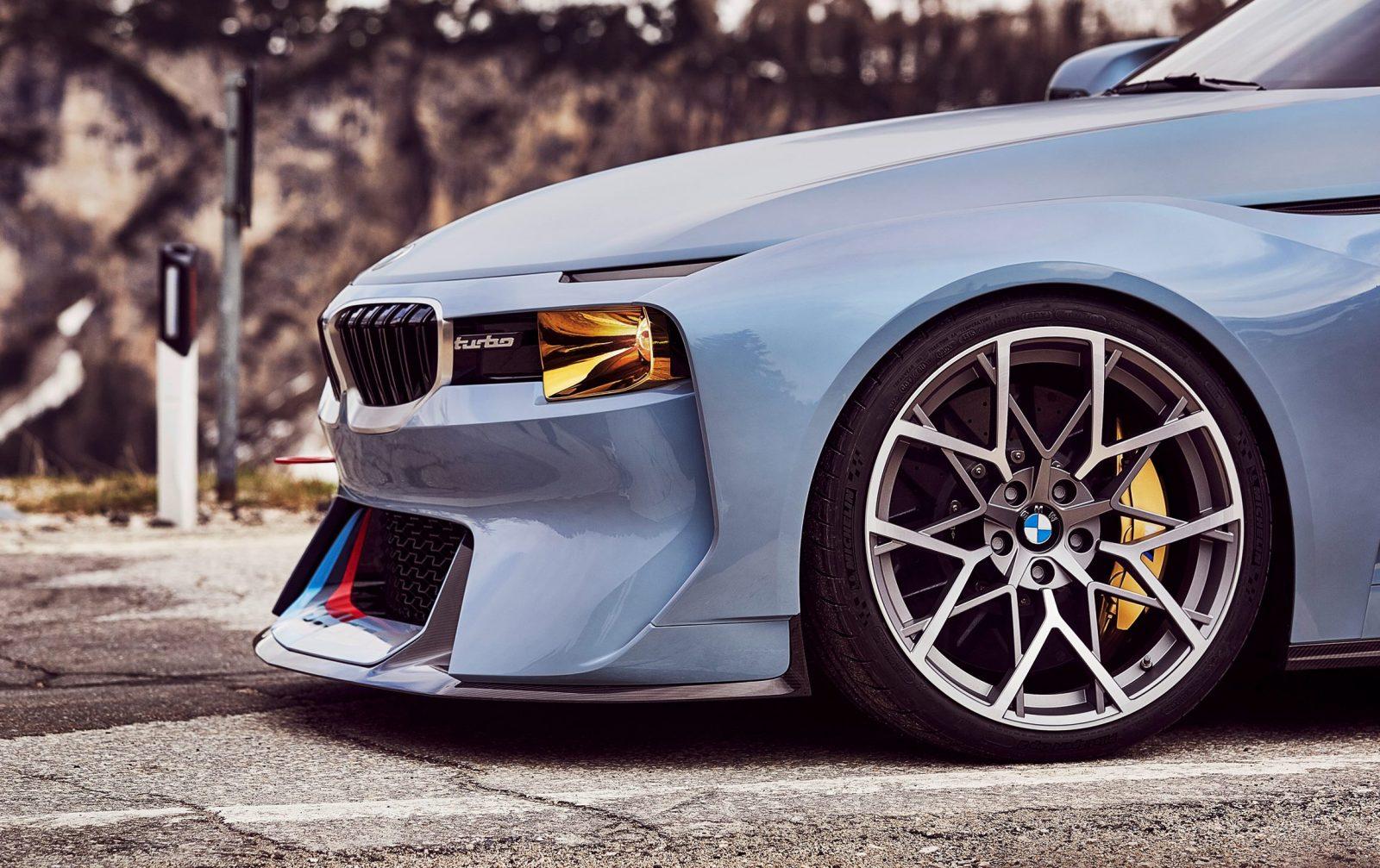 BMW 2002 Hommage 8