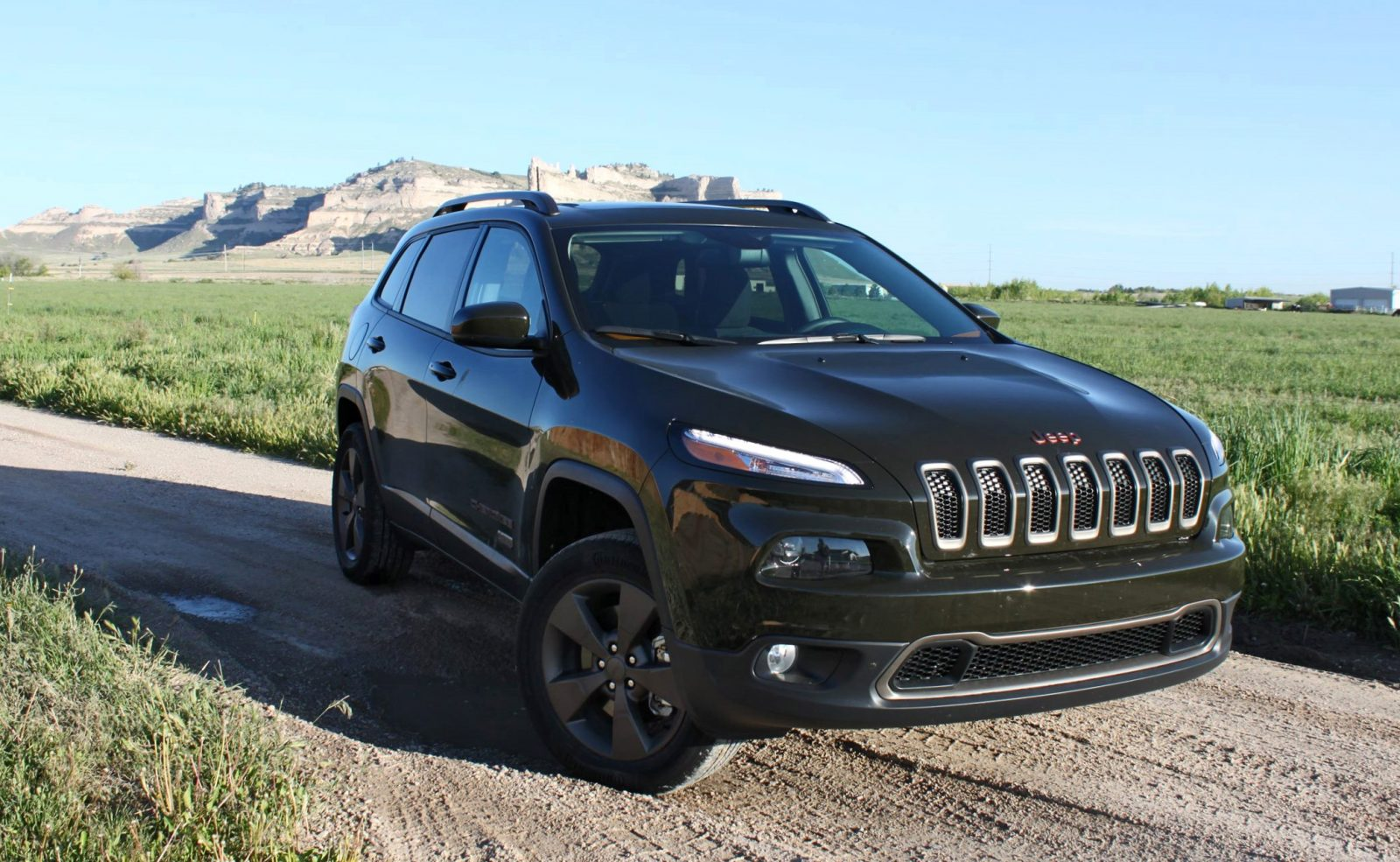 2016 jeep cherokee latitude 75th anniversary edition review by tim esterdahl. Black Bedroom Furniture Sets. Home Design Ideas